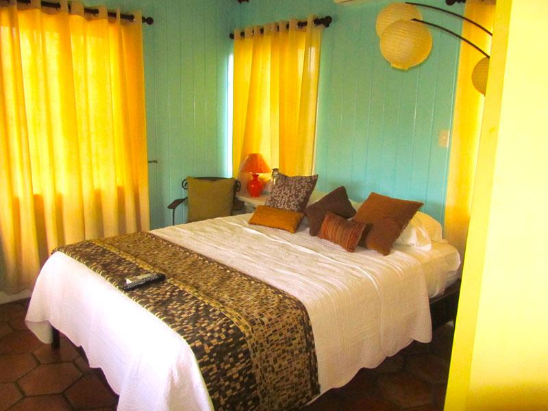 Tranquil Garden View Suite in Governor's Harbour, holiday rental in Eleuthera