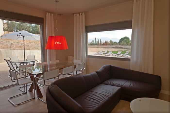 Spacious and cozy appartment of 90sq meters, holiday rental in Ainzon