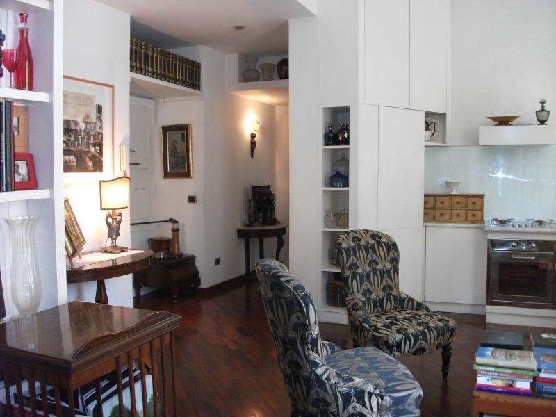 Living Room vs Queensize Bedroom