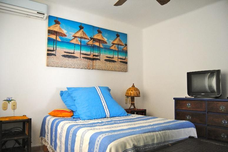 spacious and furnished room
