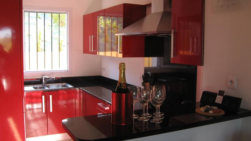 Luxury Kitchen with granite worktops