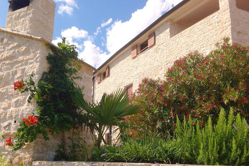 Seaside Istrian Stone Villa 'Besida', holiday rental in Pavicini