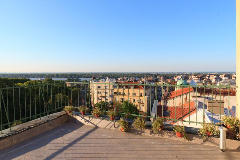 PENTHOUSE IN CITY CENTER, vacation rental in Belgrade