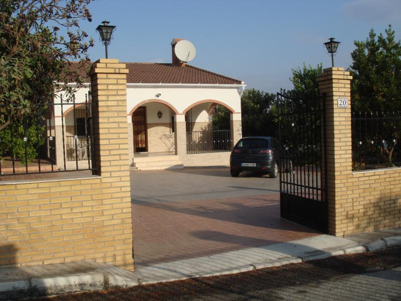 Flores Villa ~ Detached and gated