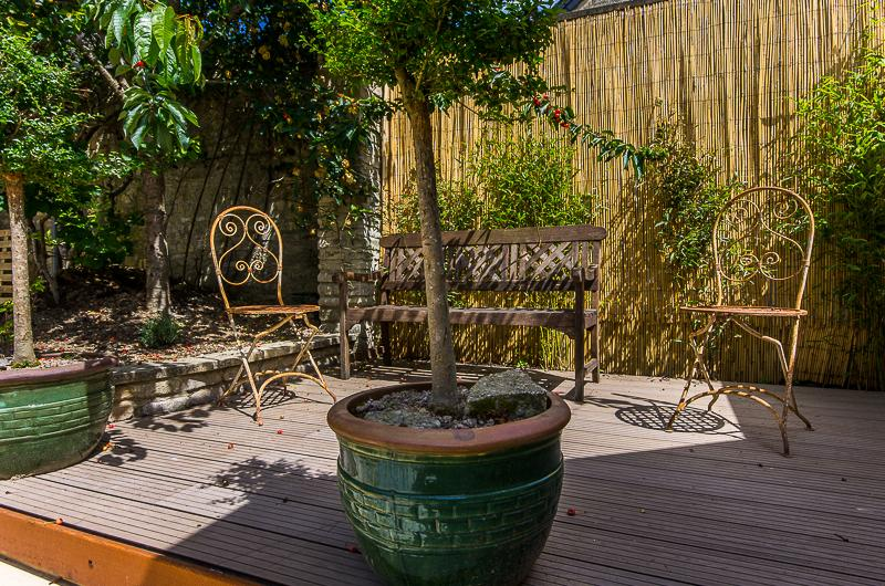 Un petit coin de la cour-jardin