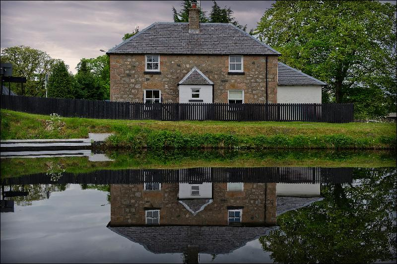 Tomnahurich Bridge House