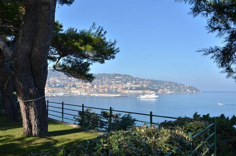 Villa Valle, incredible place at the seaside, aluguéis de temporada em Porto Santo Stefano