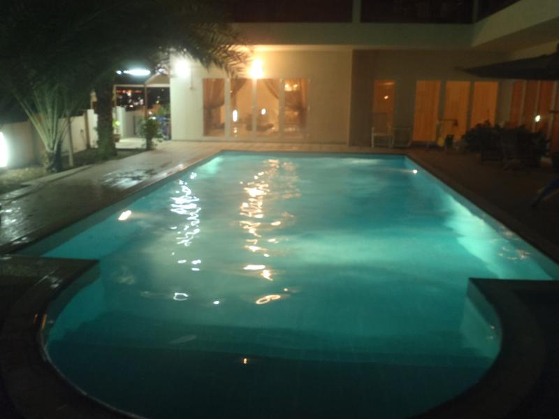 With under water lights for guests who enjoy swimming at night