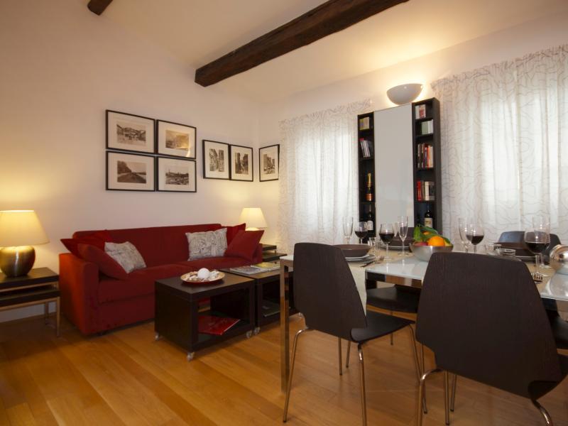 Spaciosus living room
