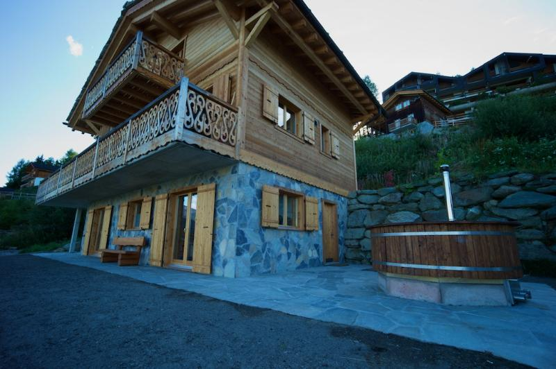 Chalet Icelandica, holiday rental in Heremence
