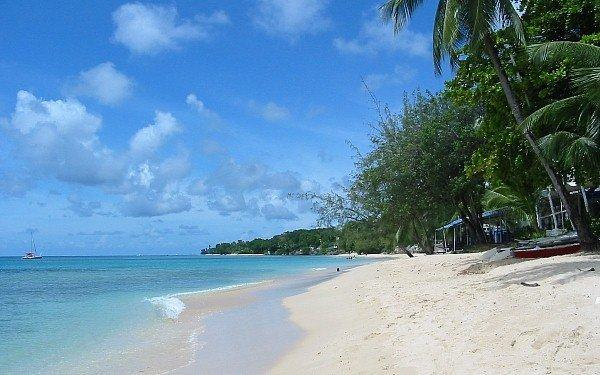 Beautiful Beach 2 mins away ...there two secure beach access points