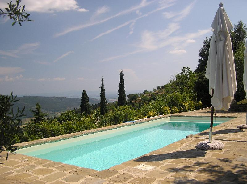 Stunning Private Home - Heaven in Tuscany WIFI POOL No other people on site., location de vacances à Cortona