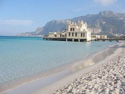 MONDELLO'S BEACH