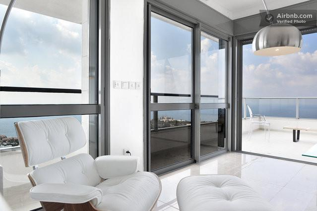 New Penthouse Apartment/Carmel, vakantiewoning in Haifa