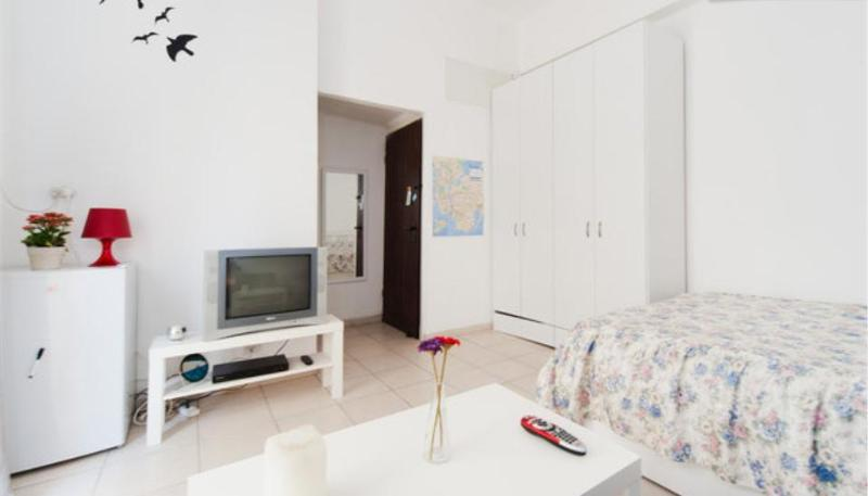 Amazind balcony apt by the beach, alquiler vacacional en Srigim