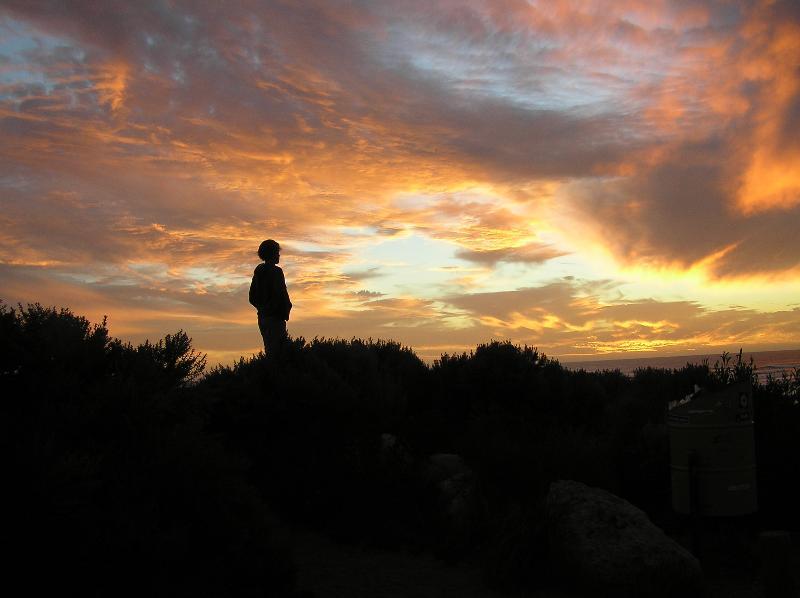 pores do sol espectaculares sobre a Oceran indiana