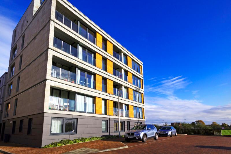 Top flat with breathtaking ,panoramic views to Castle , Arthur's seat, Calton Hill and Pentland