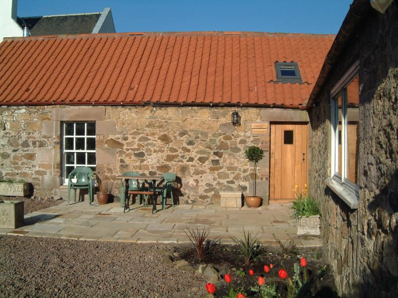 The Byre Cottage, holiday rental in North Berwick