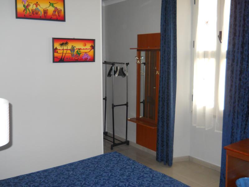 Domus Roxy Guest House Termini Main Station Rome, location de vacances à Castel Romano