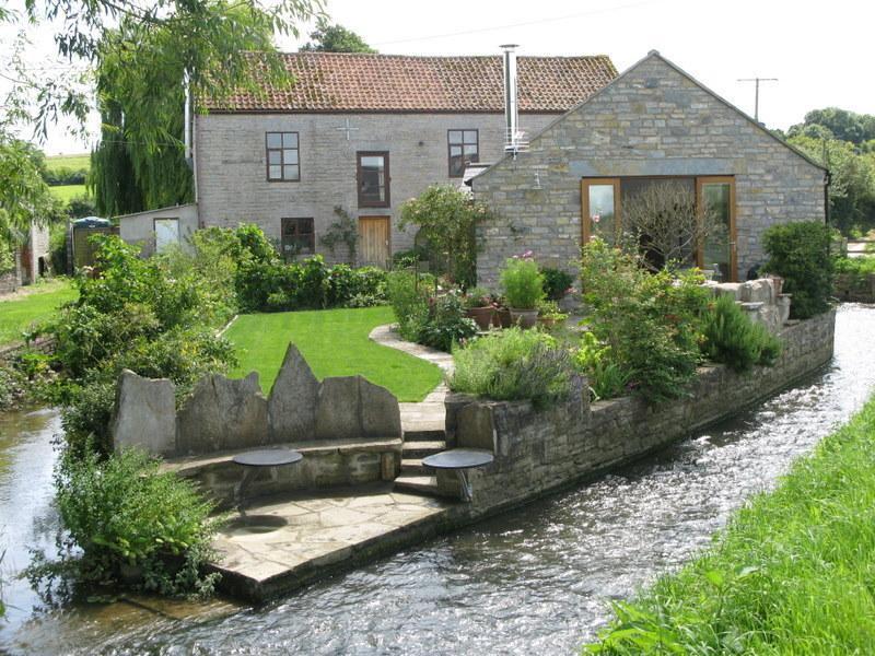 Mill Barn Somerset - Nestled by the Mill Stream, location de vacances à Glastonbury