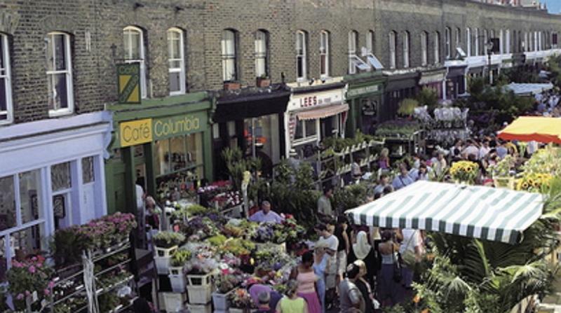 Viele der trendigen Geschäften und Straßenmärkte nur bis die Straße