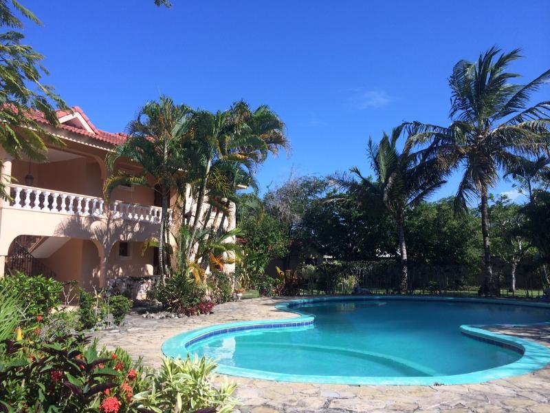 Villa & piscine - jour heure