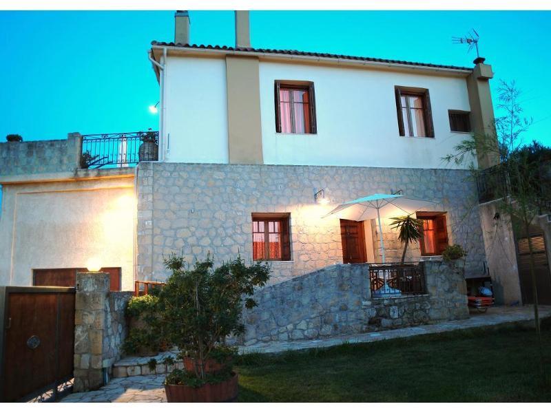 Olive Villas, villa Zerbera, holiday rental in Kakopetros