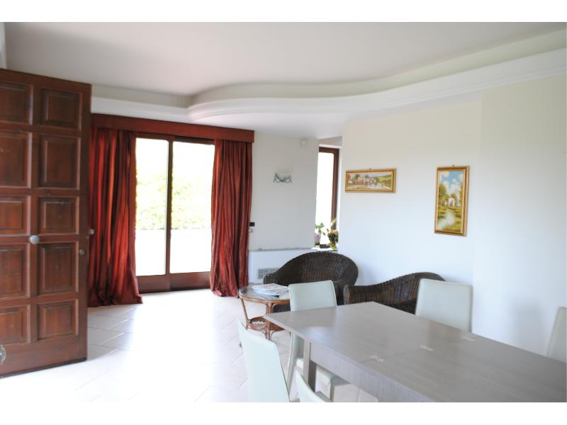Villa Lavina (Etna & Sea) btw Catania and Taormina, holiday rental in Pennisi