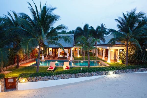 Villa Acacia - on the beach