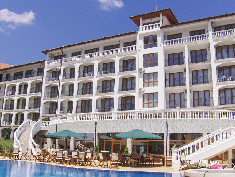 5* TRIUMPH HOLIDAY VILLAGE - APARTMENT RENTAL., vacation rental in Sveti Vlas