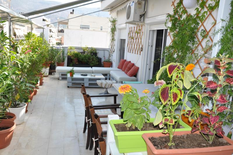 Spacious, lightful and fresh apartment, vacation rental in Volos