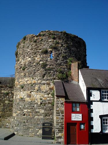 Smallest House, Conwy quayside