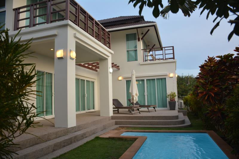 Villa Sealife - Luxurious pool villa with Seaview, location de vacances à Ko Lanta