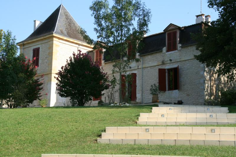 Chateau Les Maurins Front