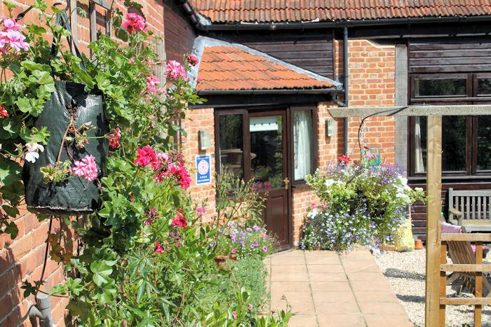 Corner Barn - Church Farm Barns, holiday rental in Cromer