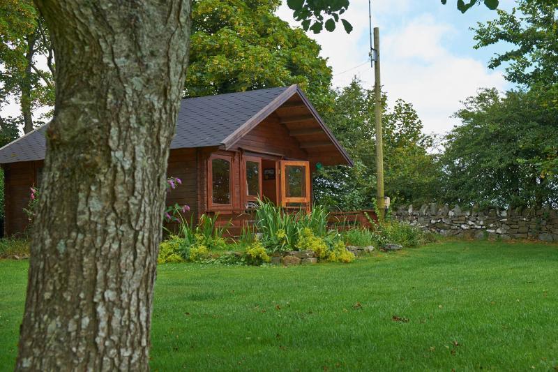 Lucys Nest, vacation rental in Llannerch-y-medd