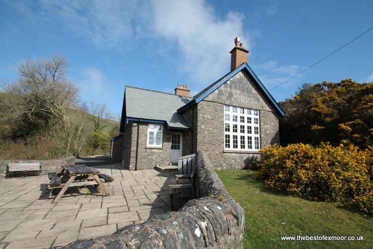 The School House, Countisbury - Spacious Victorian cottage in a stunning spot on, vacation rental in Exmoor National Park