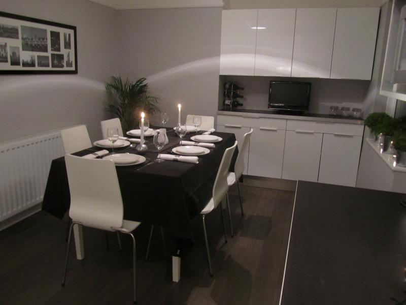 Contemporary dining and entertaining