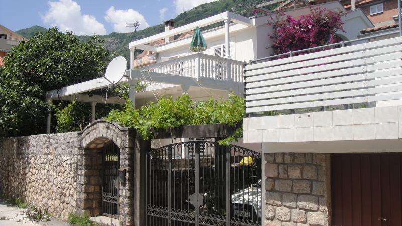 Gli appartamenti villa con piscina swemming prega di contattare owne prima di prenotare per ottenere la migliore offerta