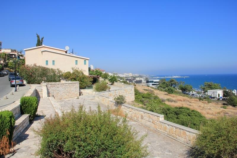 Villa With INCREDIBLE View!, vacation rental in Parekklisia