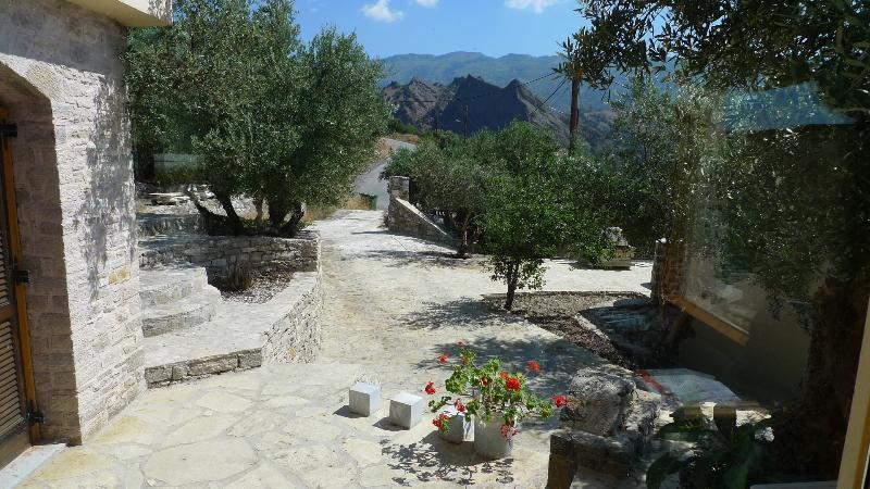Entrance of Spitimas Kreta