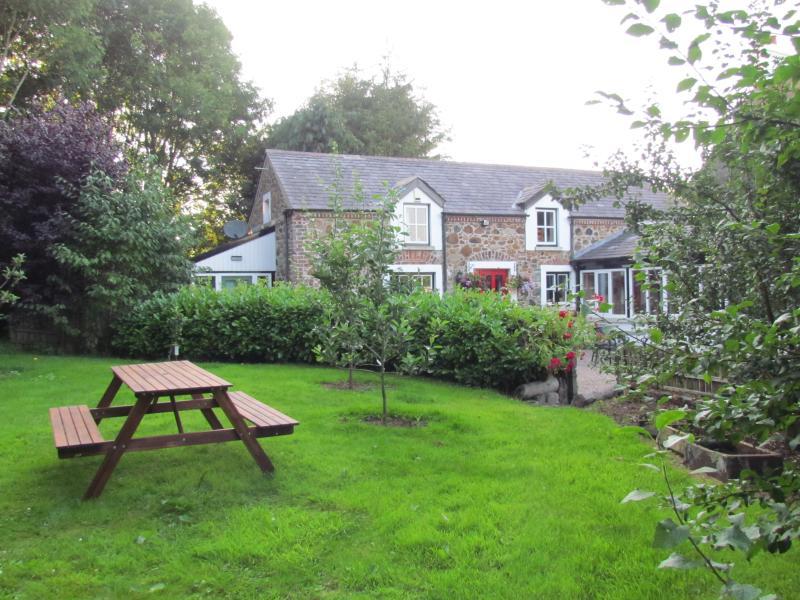 berwickhall cottage garden and picnic area