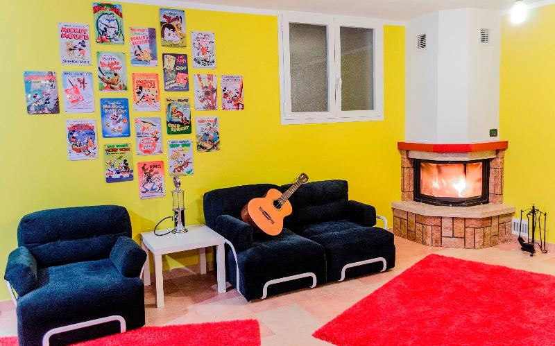 Nice Studio + garden -only 30' from Milano Cadorna, holiday rental in Turate