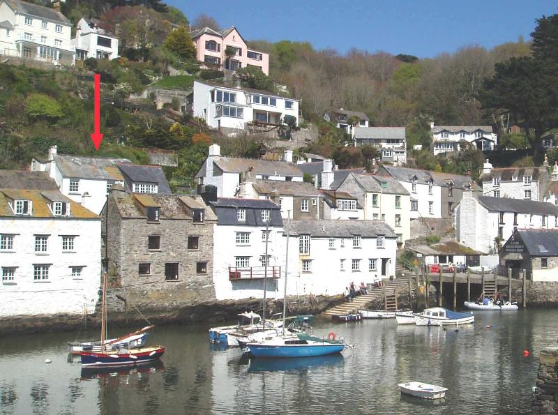 'Cobblestones' cottage on Polperro harbour. LAST MINUTE OFFER! 14 - 28TH July  only £695.00 p.w.