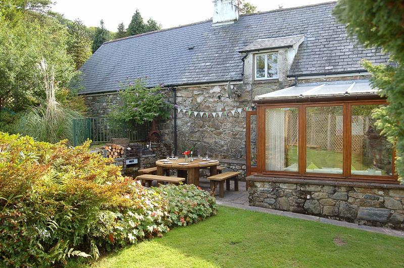 Gilfachwydd an authentic 18c Stone Farmhouse