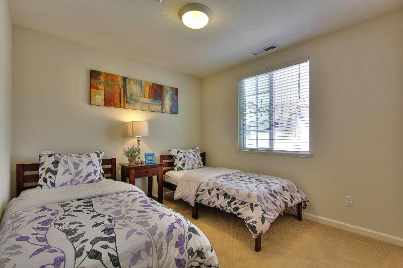 Third Bedroom with two twin beds