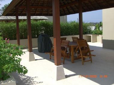 Sala sur toit-terrasse pour se détendre, de repas et de barbecue