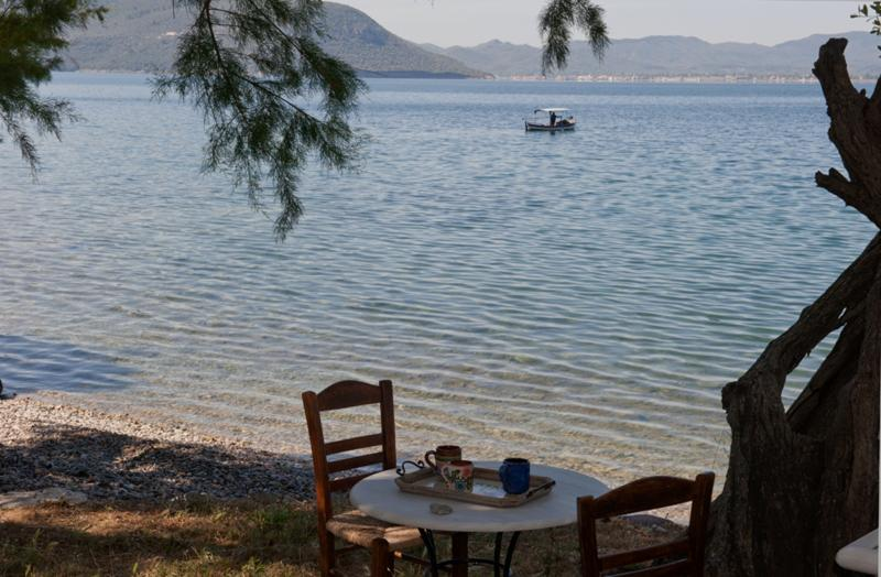 Elaionas Nikou, Ferienwohnung in Varia