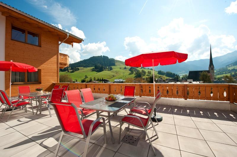 Terrace / Patio facing the ski slopes