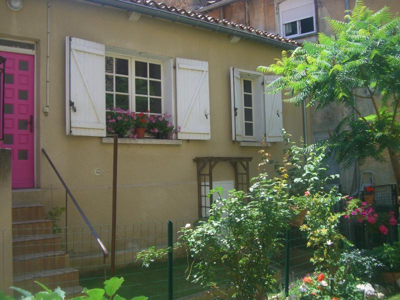 The Petite jardin, 'Rose', holiday rental in Saint Martin de Villereglan